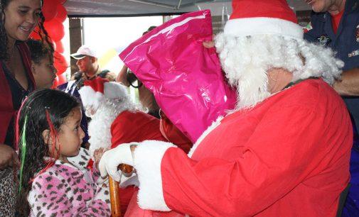 Policia Militar faz a alegria do Natal das crianças de PU