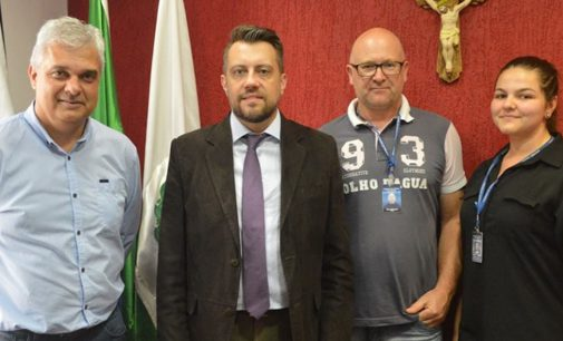 Juiz Mattioli visita General Carneiro e firma parceria
