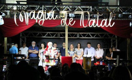 Magia de Natal dá boas vindas ao Papai Noel de Bituruna