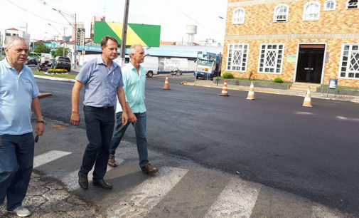 Prefeito de PU fiscaliza obras de pavimentação