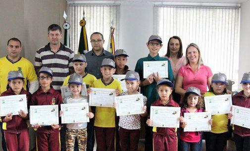 Projeto Viagem da Leitura premia estudantes de Bituruna