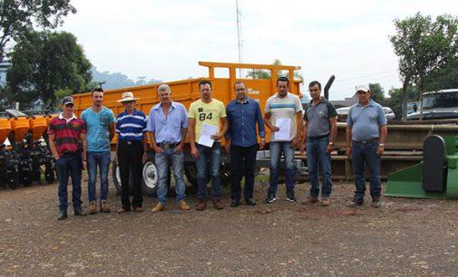 Bituruna faz repasse de implementos agrícolas