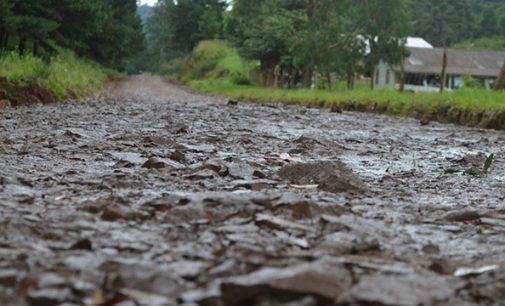 Chuva prejudica recuperação de estradas em General Carneiro