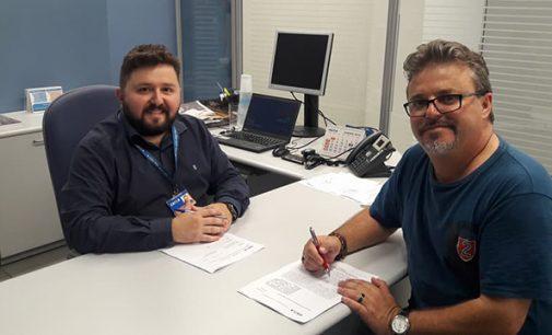 Prefeito Raul assina convênio na Caixa de Porto União