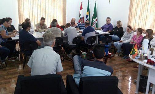 Prefeito Raul faz reunião com secretariado para ações 2018