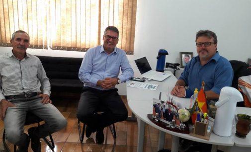 Prefeito de Matos Costa recebe o deputado Mauro Mariani