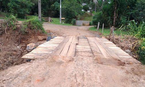 Prefeitura finaliza a construção da ponte no Limeira