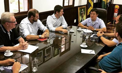 Santin visita o Cindacta II para falar do Aeroporto José Cleto