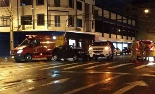 Veículos de Canoinhas colidem no centro de UVA