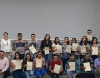 Curso de auxiliar de informática forma 23 alunos em Bituruna