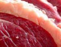 Jovem de 23 anos é detido por furto de carnes em UVA