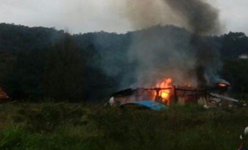 Moradia é destruída por incêndio em União da Vitória