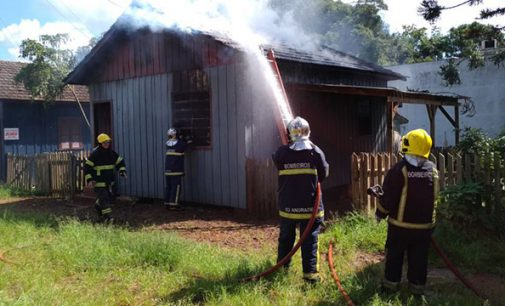 Incêndio danifica residência em Porto União