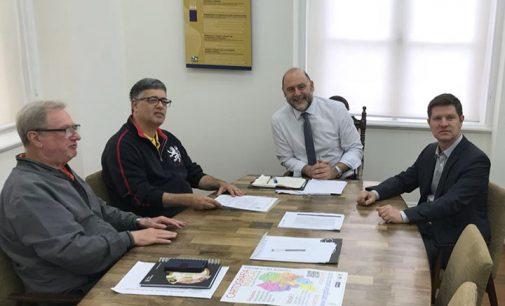 Prefeito de UVA assina termo de cooperação com Secretaria de Estado
