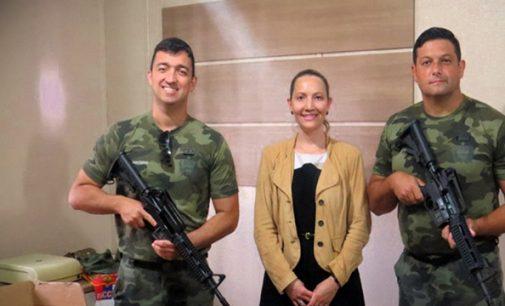 MP-SC faz entrega de fuzil para a PM Ambiental
