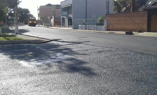 Rua Visconde de Guarapuava em PU recebe melhorias