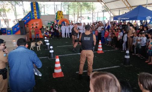"""Projeto """"Amigos do Povo"""" realizado no bairro Limeira foi um sucesso"""