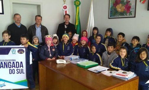 Alunos do Jangada visitam a Prefeitura de Porto União