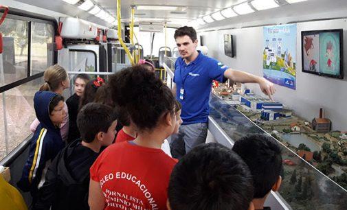 Escolas de Porto União recebem ônibus Eco Expresso