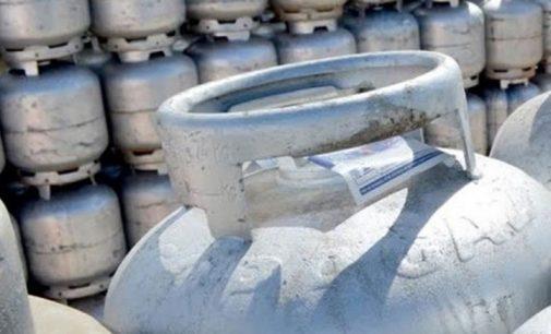 Indivíduo danifica residência para furtar botijão de gás