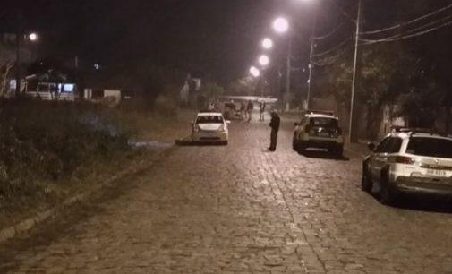 Homem é ferido a facadas durante assalto na Ponte de Ferro