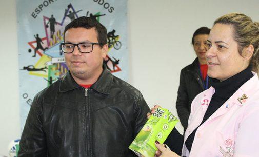 DME entrega donativos do Projeto Esporte Solidário