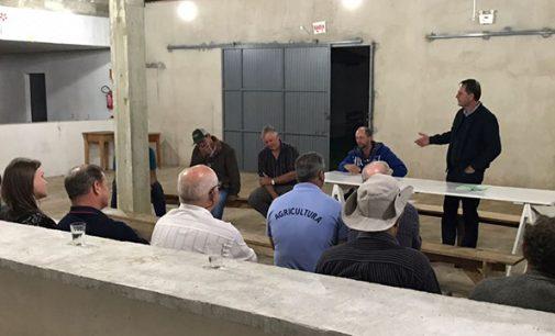 Prefeito de PU se reúne com moradores de São Domingos