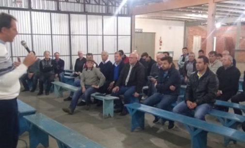 Eliseu se reúne com a comunidade de Santa Cruz do Timbó