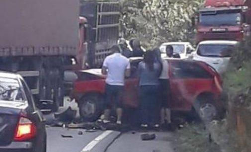 Veículo de UVA se envolve em acidente na SC 418