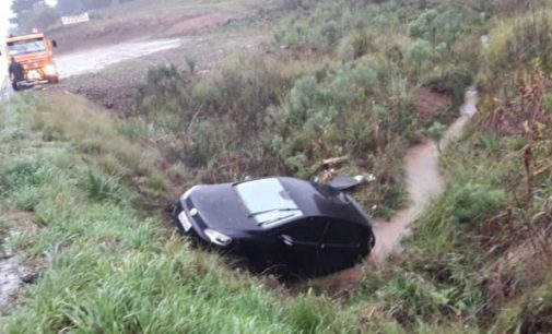 Veículo sai de pista na BR 153 na Serra do Honorato