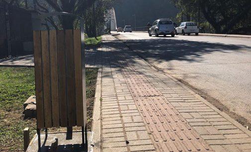 70 novas lixeiras são instaladas na avenida Manoel Ribas