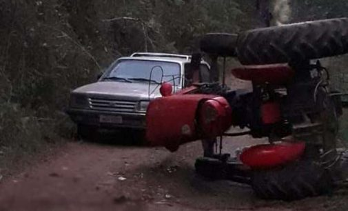Agricultor morre após trator virar no interior de PU