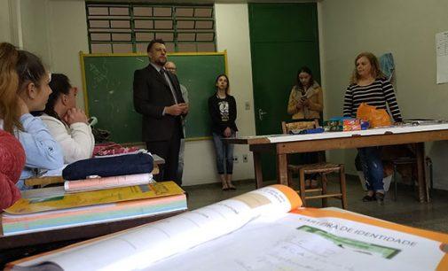 Juiz Mattioli visita o espaço do EJA das Mulheres