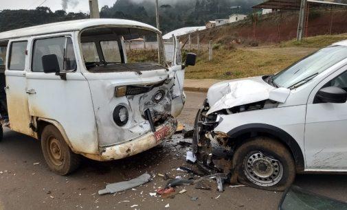 Acidente em General Carneiro deixa duas pessoas gravemente feridas