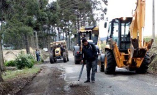 Setor de Obras de UVA já trabalha nas vias, após as chuvas
