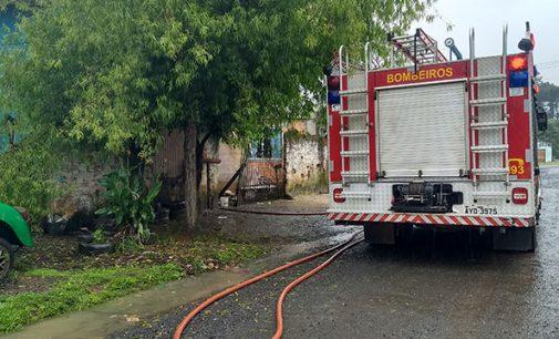 Bombeiros registram princípio de incêndio no bairro Limeira