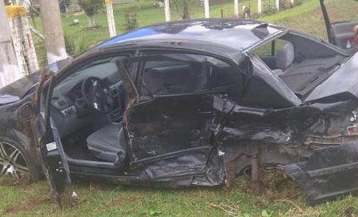Grave acidente na BR 280 deixa duas pessoas feridas