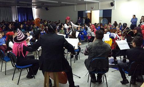 Orquestra da ONG Dikaion faz apresentação em União da Vitória