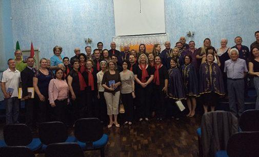 Alvi lança livro dos 100 anos da Igreja Batista de Porto União
