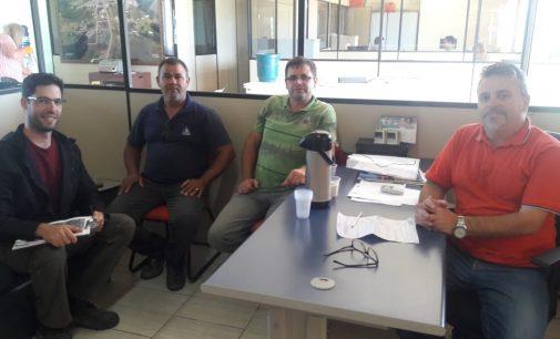 Equipes da Casan fazem visita técnica em Matos Costa