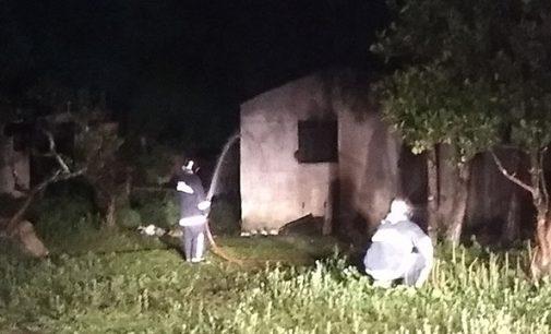 Casa é destruída em incêndio no bairro Limeira