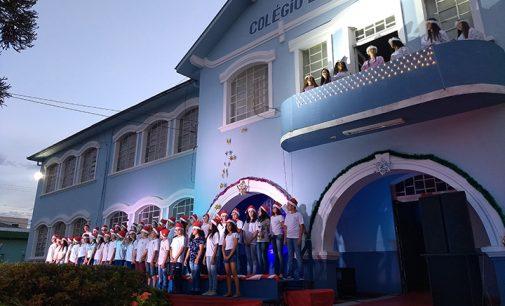 Cantata Tuliana de Natal emociona comunidade das cidades irmãs