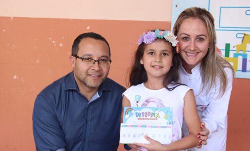 """Equipe da Saúde Bucal desenvolve ação: """"Crescer sem cárie"""""""