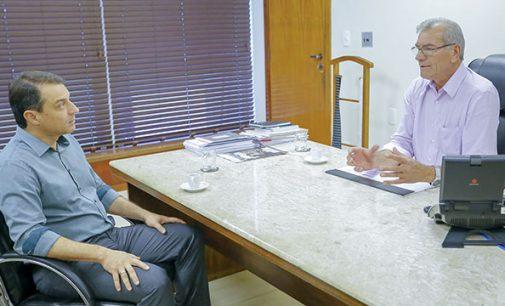 Governador Carlos Moisés de SC visita Alesc
