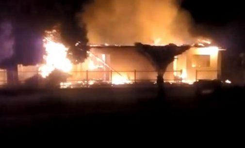 Incêndio destrói casa no interior de Paulo Frontin