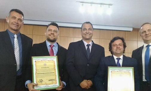 Juiz Mattioli e Promotor Júlio são homenageados