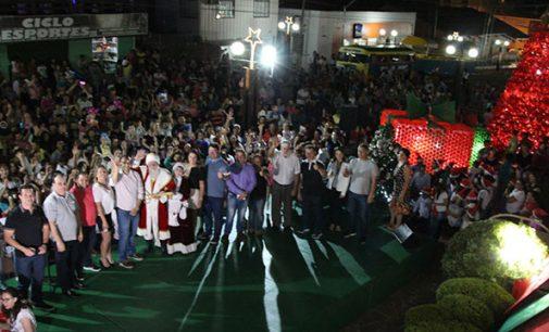 Magia de Natal emociona e encanta população de Bituruna