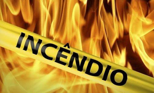 Moradia é incendiada na Vila Zumira em União da Vitória