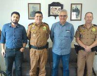 Prefeito de General Carneiro firma parceria com o 27º BPM