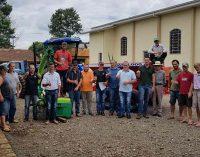 Produtores de Santo Antônio do Iratim recebem novos implementos